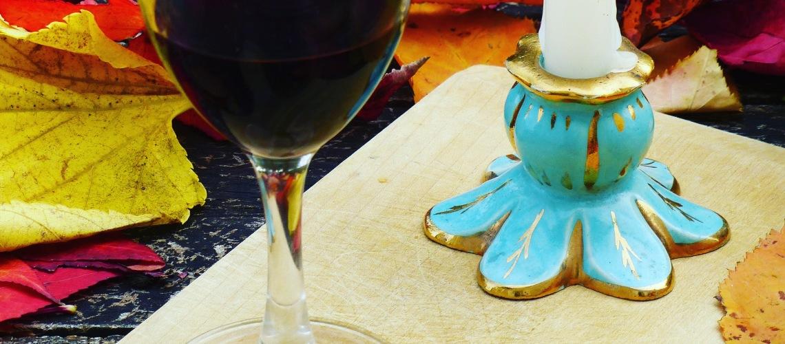 bougie et verre chateau morange blaye côtes de bordeaux